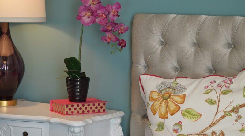 15 rostlin, které udělají vaši ložnici krásnější a zdravější